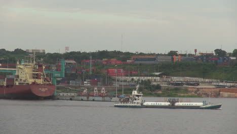 Manaus-Amazon-River-with-barge-s