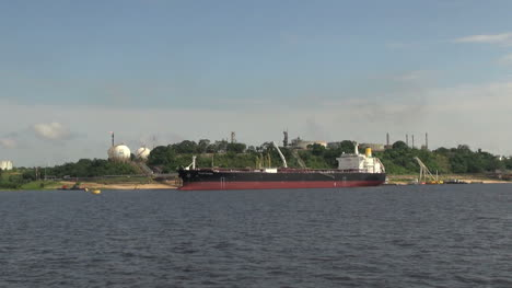 Manaus-industry-and-freighter-s