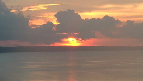 Manaus-Sonnenuntergang-Auf-Rio-Negro