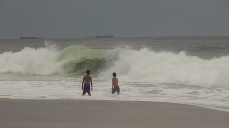 Rio-de-Janeiro-Ipanema-Beach-boys-and-big-waves