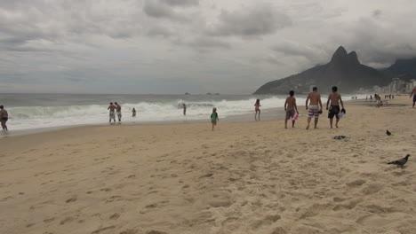 Rio-de-Janeiro-Ipanema-Beach-children-run-on-beach