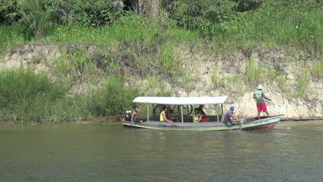 Brazil-Amazon-backwater-near-Santarem-fishing-with-net-s