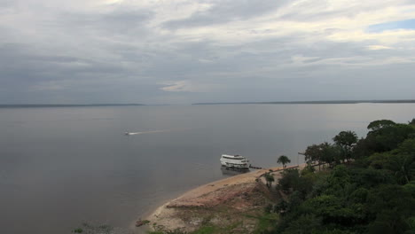 Brazil-Rio-Negro-with-speed-boat-at-Manaus-s