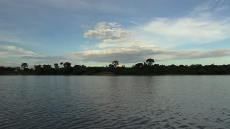 Amazon-in-Brazil-cloud-over-distant-bank