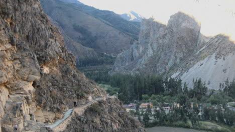 Peru-Sacred-Valley-Ollantaytambo-path-and-overlook