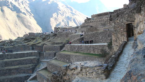 Peru-Sacred-Valley-Ollantaytambo-stone-terraces-and-entrance-path-2