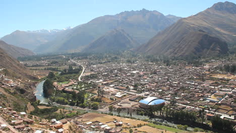 Peru-Sacred-Valley-town-along-the-Urubamba-6