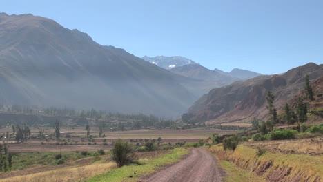 Peru-Sacred-Valley-dirt-road-toward-Andean-peak-10