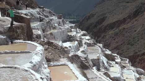 Peru-salt-pans-edge-of-ravine