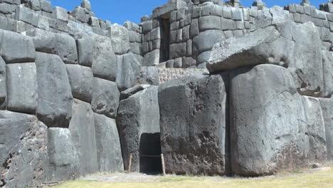 Peru-Sacsayhuam-N-Piedras-En-Las-Paredes