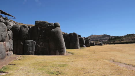 Peru-Sacsayhuaman-walls-of-enormous-stacked-stones-7