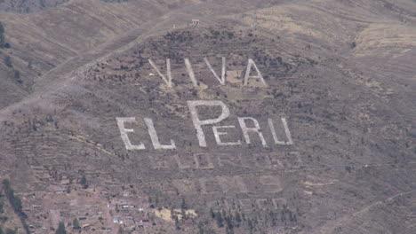 Peru-viva-sign-on-hill