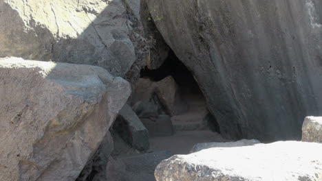 Peru-Quenko-triangular-stone-doorway-to-cave-4