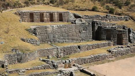 Peru-Tambomachay-four-stone-walls-in-hillside-2