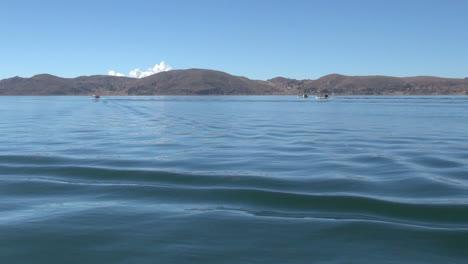 Peru-Lake-Titicaca-island