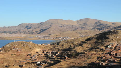 Peru-Lake-Titicaca-ribbon-of-lake-between-two-hilly-shores