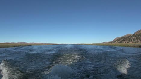 Peru-Titicacasee-Wake-Und-Schilf