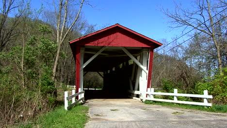Ohio-entry-to-covered-bridge