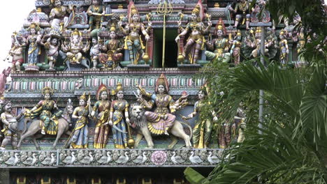 Singapore-city-Hindu-temple-carvinsgs