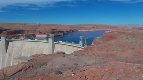 Arizona-Glen-Canyon-Dam-and-Lake-Powell
