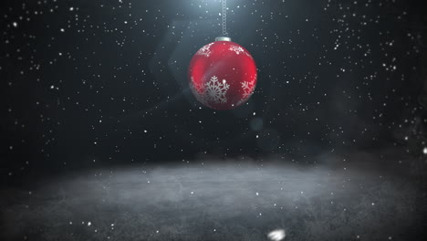 Animated-close-up-white-snowflakes-and-red-balls-1