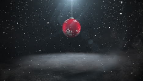 Animated-close-up-white-snowflakes-and-red-balls-3