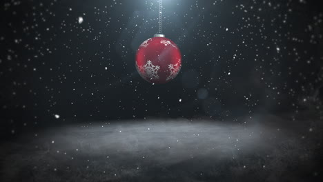 Animated-close-up-white-snowflakes-and-red-balls-4