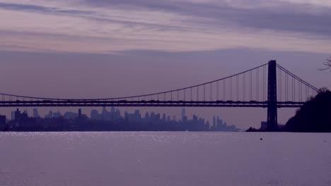 El-Puente-George-Washington-Conecta-Nueva-Jersey-Al-Estado-De-Nueva-York-Con-El-Horizonte-De-Manhattan-2
