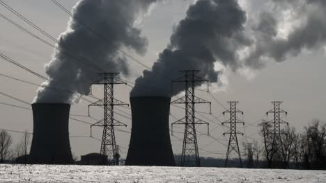 Smoke-rises-from-the-nuclear-power-plant-at-Three-Mile-Island-Pennsylvania