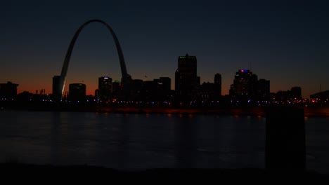 St-Louis-at-night