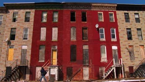 Edificios-Abandonados-En-Un-Tugurio-Del-Norte-De-Baltimore-2