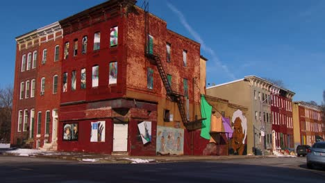Buildings-are-painted-with-beautiful-art-in-a-Baltimore-slum-6