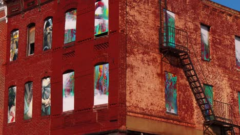 Buildings-are-painted-with-beautiful-art-in-a-Baltimore-slum-7
