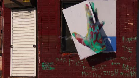 Buildings-are-painted-with-beautiful-art-in-a-Baltimore-slum-10