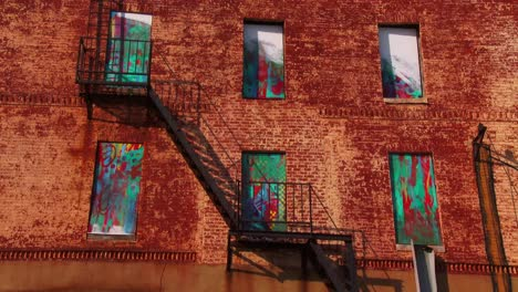 Buildings-are-painted-with-beautiful-art-in-a-Baltimore-slum-11