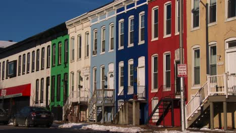 Colorful-rowhouses-line-the-streets-of-Baltimore-Maryland