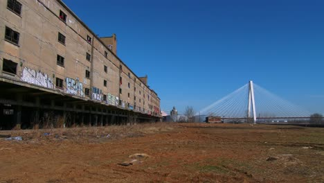 Abandoned-warehouses-in-an-industrial-area-of-St-Louis-Missouri