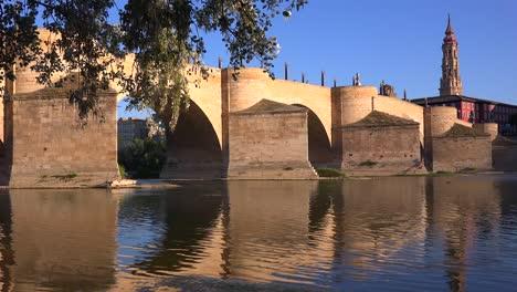 A-classic-and-beautiful-stone-bridge-in-Zaragoza-Spain