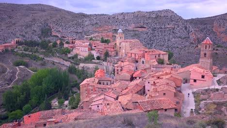 The-beautiful-Spanish-monastery-town-of-Albarracin