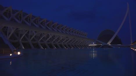 Futuristic-architecture-of-Valencia-Spain-at-night-1