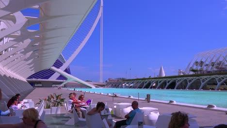 Unusual-futuristic-architecture-of-Valencia-Spain-suggests-a-science-fiction-movie-2