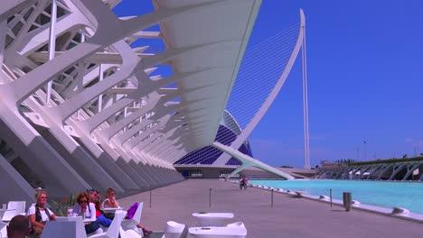 Unusual-futuristic-architecture-of-Valencia-Spain-suggests-a-science-fiction-movie-3