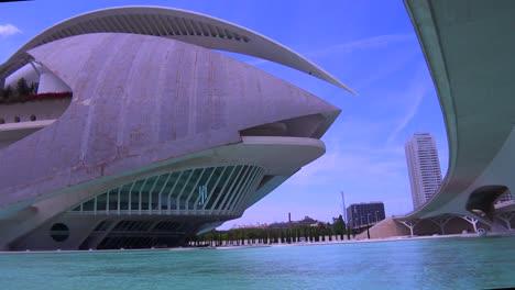 Unusual-futuristic-spaceship-architecture-of-Valencia-Spain-suggests-a-science-fiction-movie