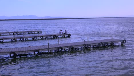 Piers-and-jetties-jut-out-into-the-beautiful-lake-of-Albufera-Spain