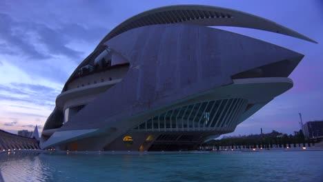 Unusual-futuristic-spaceship-architecture-of-Valencia-Spain-suggests-a-science-fiction-movie-1