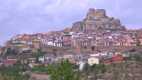 The-beautiful-castle-fort-town-of-Morella-Spain-1