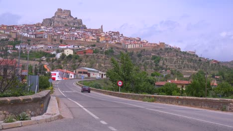 The-beautiful-castle-fort-town-of-Morella-Spain-2