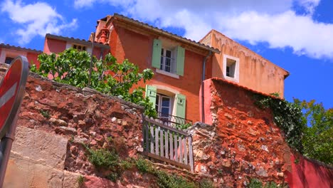 The-quaint-French-hill-town-of-Roussillon-France-with-it-s-colorful-buildings-is-a-highlight-of-Provence-1