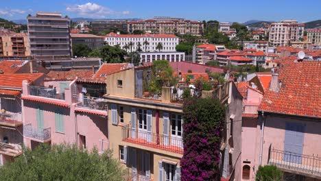 Una-Vista-Del-Paisaje-Urbano-De-Cannes-Francia