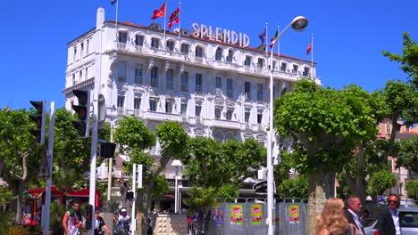 El-Espléndido-Hotel-Recibe-Visitantes-Internacionales-Al-Festival-De-Cine-De-Cannes